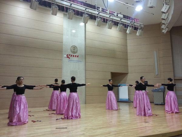 我校赴韩学生学习展示
